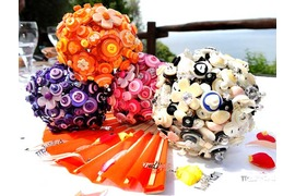 Multicolor button bouquets for bride and bridesmaids