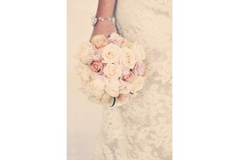 Bridal bouquet in white and pale pink for Atrani wedding