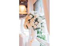 Tall vase with flowers for Capri wedding