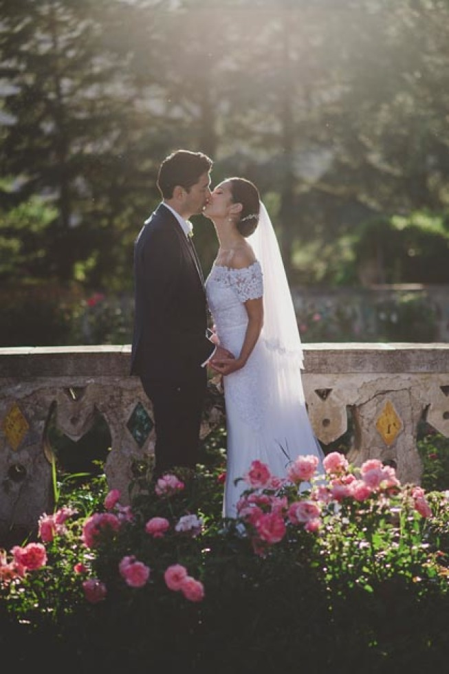 Bride and groom in the park of Villa Cimbrone