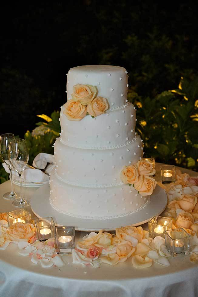 Wedding cake with orange roses for Ravello wedding