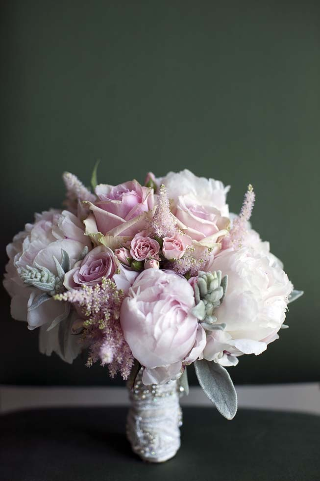 Bridal bouquet in pale pink hues for Ravello wedding