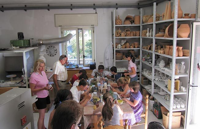 Activities: visit to a ceramic factory
