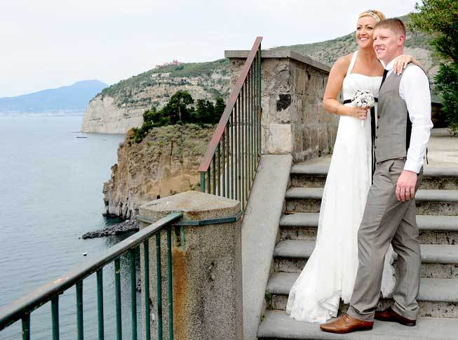 Bridal couple on a terrace with seaview in Sorrento