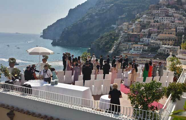 Protestant wedding on a terrace with seaview in Positano