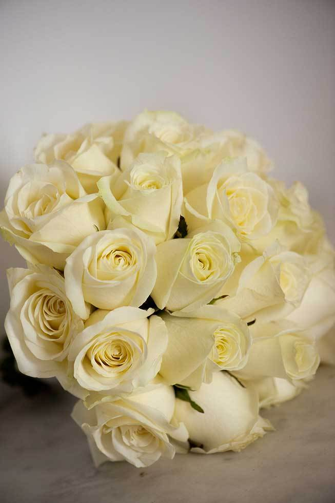 Bridal bouquet with ivory roses