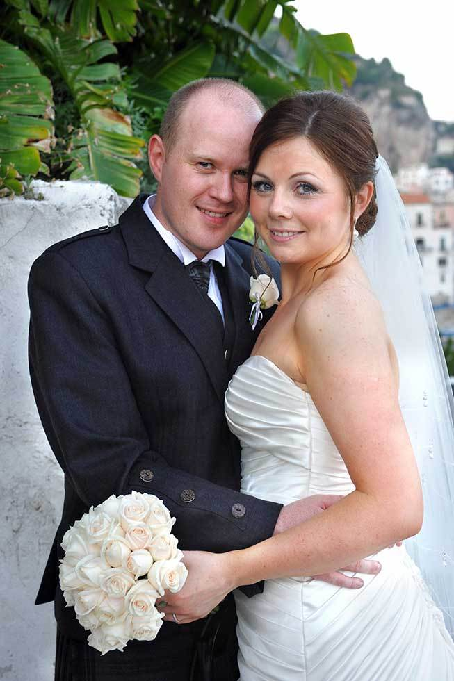 Bridal couple getting married in Amalfi
