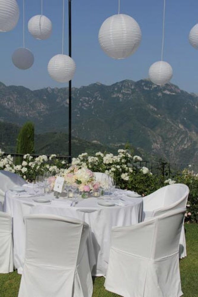 Chinese lanterns for outdoor wedding reception in Ravello