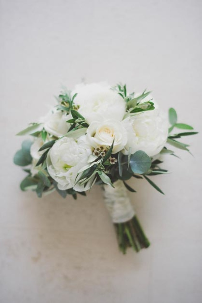 Bridal bouquet in green and white
