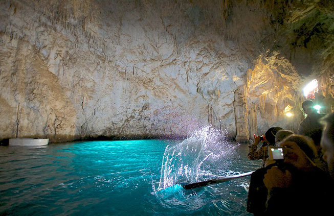Activities: the Blue Grotto in Capri