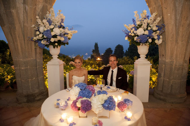 Decoration in pastel colors for the head table at Ravello wedding